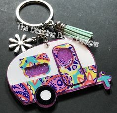 The Dancing Daisy Designs by DancingDaisyDiecuts on Etsy Keychain Design, Diy Keychain, Keychain Ideas, Monogram Keychain, Dancing Daisy, Acrylic Keychains, Retro Campers, Bag Clips, Tumbler Designs