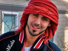 Omar Borkan Al Gala, el hombre más guapo del mundo, ahora luce así ...