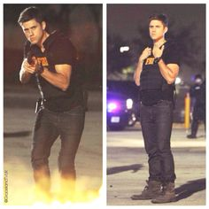 Aaron Tviet as Mike Warren in Graceland. Those jeans are really nice< really like the fire effect they used