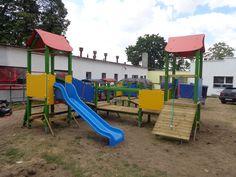 Plac zabaw złożony z elementów Cetyfikowanego Systemu Modułowego funplace.pl