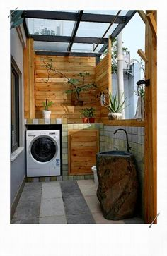 10 Balcony Design Ideas That You'll Love To Have Laundry Room Apartment Balcony Decorating, Cozy Apartment, Apartment Design, Apartment Plants, Outdoor Laundry Rooms, Diy Outdoor Kitchen, Drying Room, Small Balcony Design, Small Apartment Kitchen