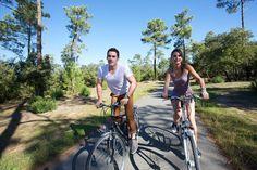 Visiter l'île d'Oléron à vélo © Office de Tourisme de La Rochelle http://www.tourisme.fr/paroles-office/20/visiter-l-ile-d-oleron-depuis-la-rochelle-parole-d-office.htm