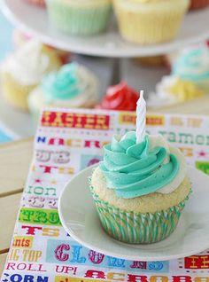 Vanilla Bean Sour Cream Cupcakes2