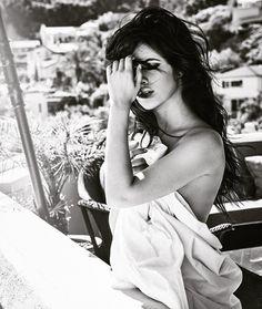 gambar guess and camila cabello Guess Girl, My Girl, Havana, Guess Campaigns, Camila And Lauren, Fifth Harmony, Beautiful Smile, Beautiful Women, Woman Crush