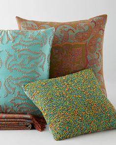 -4QEX Sabira Contemporary Pillows & Throw