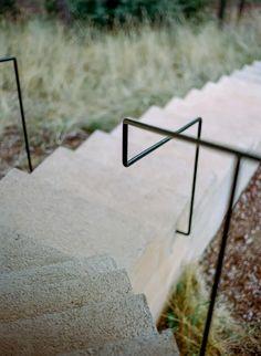 Exterior Handrail, Stair Handrail, Porch Steps, Stair Steps, Outdoor Stair Railing, Stairs To Heaven, Stair Detail, Metal Railings, Creta