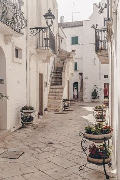 Business Trip Packing, Packing Tips For Travel, Travel Goals, Packing Hacks, Places To Travel, Places To See, Lets Run Away, Puglia Italy, Discount Travel
