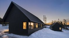 Black Gables / Omar Gandhi Architect