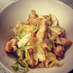 Chinese Chicken. 150g Chicken Breast, cup of cabbage, 1/2 an onion, pinch of stevia and 1/2 tsp of Ginger and 1/2 tsp of Garlic.  Heat the onion, add chicken & when browned add cabbage, stevia, ginger and garlic.  Nom nom!  And here's a great idea - double the amount and your set for your next meal!  Easy Peasy!