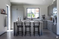 intressantahus-alricsson-01 Bar Stools, Building A House, House Plans, House Ideas, Villa, New Homes, House Design, Kitchen, Table