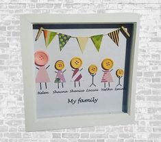 Button Family Picture, Family Picture Frames, Christmas Gifts For Mum, Xmas Presents, Christmas Shopping, Holiday Gifts, Button Art, Button Crafts, Grandma Gifts