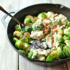 Skillet Brussels Sprouts With Bacon, Garlic And Parmesan Cream Sauce via @feedfeed on https://thefeedfeed.com/brusselssprouts/peaceloveandlowcarb/skillet-brussels-sprouts-with-bacon-garlic-and-parmesan-cream-sauce
