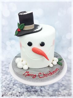 Festive Snowman Cake London's largest selection of award winning Birthday Cakes, Personalised Celebration Cakes, Cupcakes and Wedding Cakes delivered in London. Visit us for unique bespoke designs. Christmas Cake Designs, Christmas Cake Decorations, Christmas Cupcakes, Christmas Sweets, Holiday Cakes, Noel Christmas, Christmas Baking, Christmas Birthday Cake, Christmas Wedding