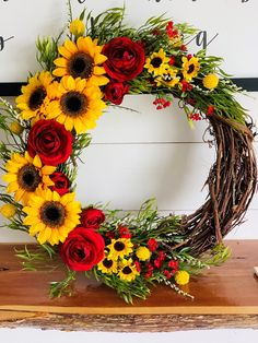 Sunflower and Rose Wreath - Crafts - Thanskgiving Fall Wreaths, Christmas Wreaths, Christmas Decorations, Holiday Decor, Christmas Porch, Burlap Wreaths, Mesh Wreaths, Wreath Crafts, Diy Wreath