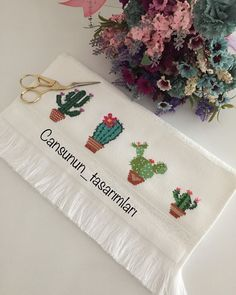 Diy For Girls, Handmade Home, Tea Towels, Cross Stitch Patterns, Shabby Chic, Embroidery, Cross Stitch Rose, Hand Stitching, Bath Linens