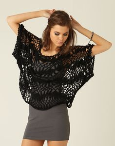 crochet poncho by valeria. need to find this pattern! Hairpin Lace Crochet, Crochet Cardigan, Knit Or Crochet, Crochet Scarves, Crochet Shawl, Crochet Clothes, Crochet Tops, Knooking, Broomstick Lace