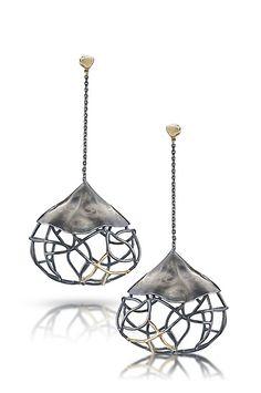 Beverly Tadeu earrings.