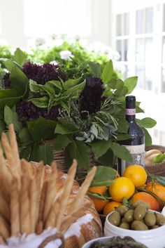 Party Resources: Style Maven: Carolyne Roehm - Salal and herbs centerpiece wine tasting party