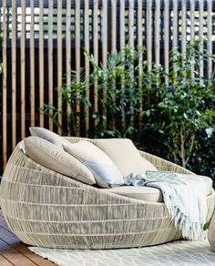 Riviera Outdoor Round Daybed - Whitewash – Allissias Attic & Vintage French Style