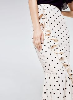 Uterqüe Denmark Product Page - Ready to wear - View all - Polka dot skirt with ruffles - 790