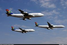 South African Airways Airbus leading a formation of SAA Boeing (the was the replacement) Microlight Aircraft, International Civil Aviation Organization, South Afrika, Airline Logo, Jumbo Jet, Air Photo, Commercial Aircraft, Boeing 747, African