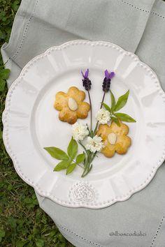 il bosco di alici: Biscotti di frolla all'olio con fieno greco e miel...