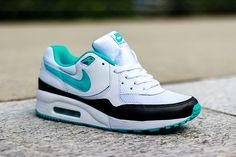 wholesale dealer e9628 8809e Nike Running Shoes Women, Women Nike, Nike Free Shoes, Lebron 11, Nike