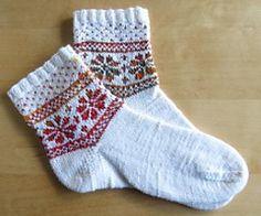 Ravelry: Fair Isle Flower Sock pattern by Candice DeWitt - Gebreide sok met gratis patroon Crochet Socks, Knitted Slippers, Knitting Socks, Knitting Stitches, Hand Knitting, Knit Crochet, Knit Socks, Crochet Granny, Crochet Cats