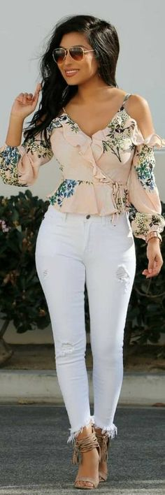 37 Of The Most Popular Spring 2018 Casual Street Styles https://www.ecstasymodels.blog/2018/03/11/casual-street-styles/?utm_campaign=coschedule&utm_source=pinterest&utm_medium=Ecstasy%20Models%20-%20Womens%20Fashion%20and%20Streetstyle&utm_content=37%20Of%20The%20Most%20Popular%20Spring%202018%20Casual%20Street%20Styles