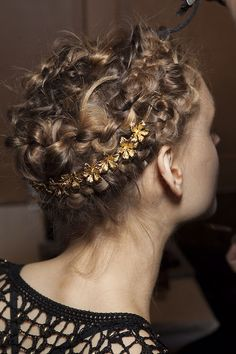gold flowers in your hair