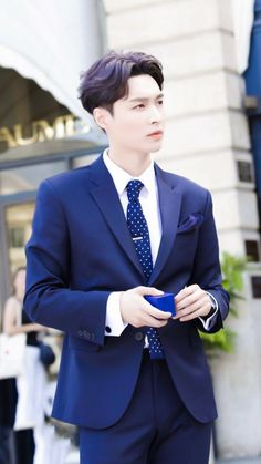 Lay | Zhang Yixing - I Need U mv