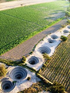 The amazing water access channels of the Nazca people.still working after what? Near Nazca, Peru. Ancient Ruins, Ancient Artifacts, Ancient History, Nazca Peru, Ancient Peruvian, Nazca Lines, Mystery Of History, Inca, Ancient Architecture