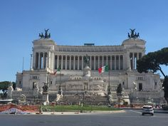 Altare della Patria. Now this is absolutely my favourite place of the city. You can ride up to the roof through some incredible panoramic lift and take a look at the whole city thanks to the binoculars. Breathtaking!