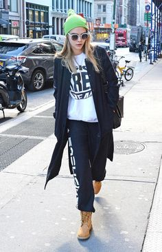 Timberland Boots Are Back: Rihanna, Cara Delevingne, Kanye West Suki Waterhouse's Favourite Shoes Timberland Boots Outfit, Timberland Style, Urban Chic, Kanye West, Rihanna, Cara Delevingne Style, Fashion Mag, Fashion 2015, Outfits