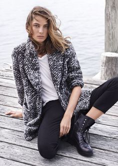 want to live in this @mangofashion coat #simplestatement #dogeared #inspiration