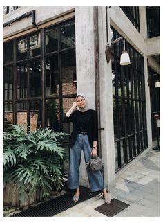 Hijab Casual, Ootd Hijab, Hijab Jeans, Modest Fashion Hijab, Modern Hijab Fashion, Street Hijab Fashion, Hijab Chic, Muslim Fashion, Ootd Fashion