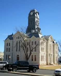The Hood County Courthouse, constructed in 1890-1891, Granbury, TX. (Richard S. Buse photo)