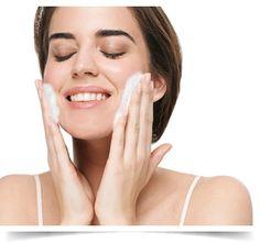 Está a limpar bem a sua pele?
