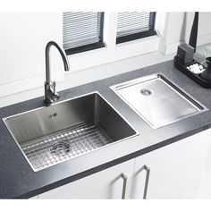5 ways to get a designer kitchen look on a shoestring budget. Choose a flush inset sink. Flush inset sinks can be fitted to any laminate worktop . Ceramic Kitchen Sinks, Kitchen Sink Taps, Best Kitchen Sinks, New Kitchen, Cool Kitchens, Kitchen Ideas, Kitchen Decor, Smart Kitchen, Dream Kitchens