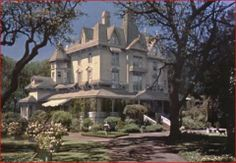 pollyanna-house-with-matte-painting