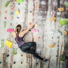 Become a rock climbing pro with these rock climbing fitness tips for beginners. Follow these simple tips that will make you a master at this workout. Sculpt your body with a new activity to have fun and get into shape.