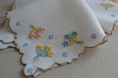 It is so unusual to find a cloth of this age still complete with its matching 4 napkins! It is a really pretty 1930s Madeira embroidered Irish
