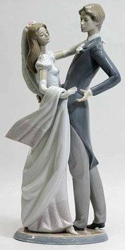 Lladro Wedding Gifts. Lladro Wedding Gifts on Tradesy Weddings (formerly Recycled Bride), the world's largest wedding marketplace. Price $500.00...Could You Get it For Less? Click Now to Find Out!