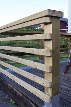 13 Most Stunning Deck Skirting Ideas to Try at Home 2019 Deck Skirting Ideas Precisely just what is deck skirting precisely? Deck skirting is a product linked to support article as well as boards here Horizontal Deck Railing, Deck Railing Design, Patio Railing, Patio Deck Designs, Deck Railing Ideas Diy, Railings For Decks, Deck Balustrade Ideas, Front Porch Railings, Decking Ideas