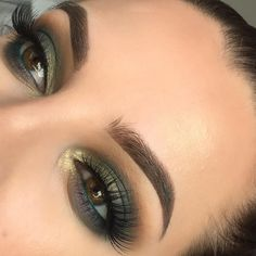 55 Ideas Wedding Makeup For Blondes Green Make Up Smokey Eye - Wedding Makeup Natural Eye Makeup Glitter, Eye Makeup Tips, Smokey Eye Makeup, Eyeshadow Makeup, Beauty Makeup, Makeup Ideas, Eyeshadow Palette, Makeup Tutorials, Smokey Eyeshadow