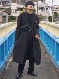 オールブラックコーデ コートはドレスアンドレスドのSSです。 生地も薄く使いやすいです。 授業始まっ