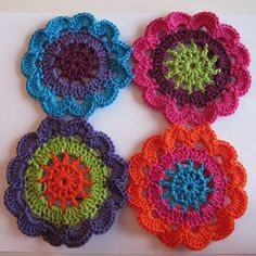 Crochet flower mandela's with pattern (not in English but pictures provided)