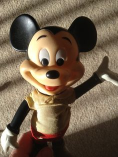 Hey! Pluto! Mickey Mouse, Disney Characters, Fictional Characters, Furniture, Beautiful, Art, Michey Mouse, Home Furnishings, Kunst