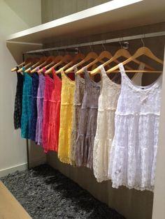 Lace Dress   Robe en dentelle   Kanten Kleedje