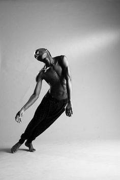 Reatile Moalusi - South african photographer - Newest Jewelry Models Afro Dance, Dance Art, Dance Aesthetic, Human Poses, Dance Movement, Body Movement, Poses References, Dynamic Poses, Poster S